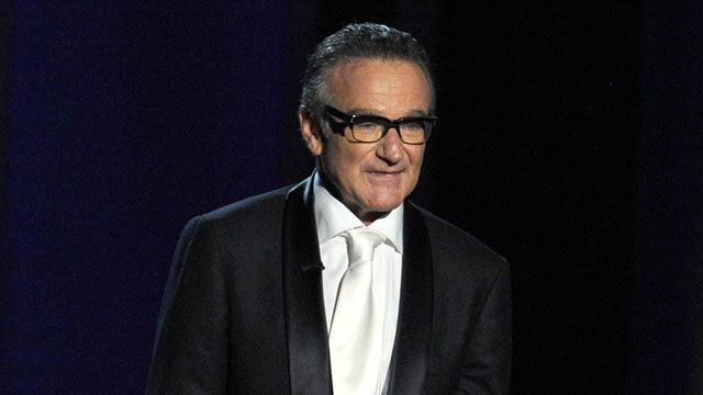 San Francisco Giants will honor Robin Williams in World Series. Robin Williams' son will throw out the first pitch.