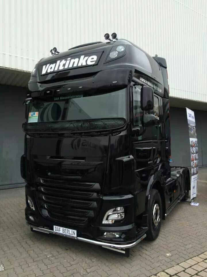 DAF black semi truck