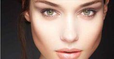 O que provoca o escurecimento da pele?Os fatores podem ser diversos, como: Exposição ao sol- Uso de produtos químicos - Alteração hormonal - Consumo de certos medicamentos