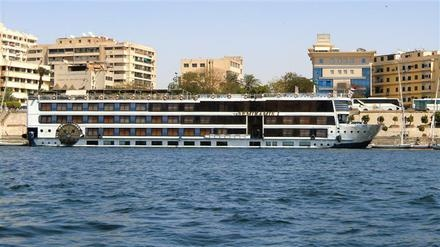Spend an unforgettable holiday on our sister boats SUNRISE Select M/S Semiramis I+II. Enjoy the fascinating scenery on your way from Luxor to Aswan and explore the fascinating culture and history of Egypt - where it all began. Enjoy all amenities of a luxurious holiday on our floating hotels. This is an experience which you will not forget!   www.sunrisehotels-egypt.com