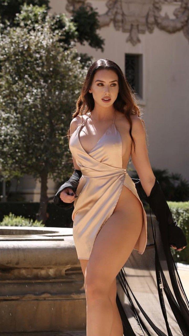 Follada en vestido ajustado