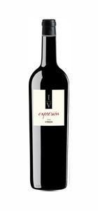 Este vino se elabora con uvas de Monastrell Pie Franco, Shiraz y Garnacha de vides seleccionadas. Esta botella nace de una selección de cuarenta barricas de una serie de 800, para conseguir la evolución perfecta, que da como resultado un vino con carácter y personalidad innovadora.