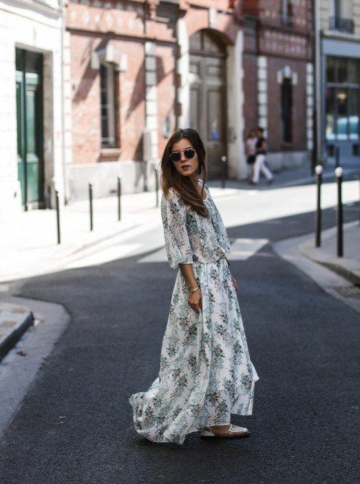 Un look de mi-saison avec la jolie robe fleurie IKKS Women portée par la bloggeuse Elodie in Paris ! > http://www.ikks.com/fr/femme/