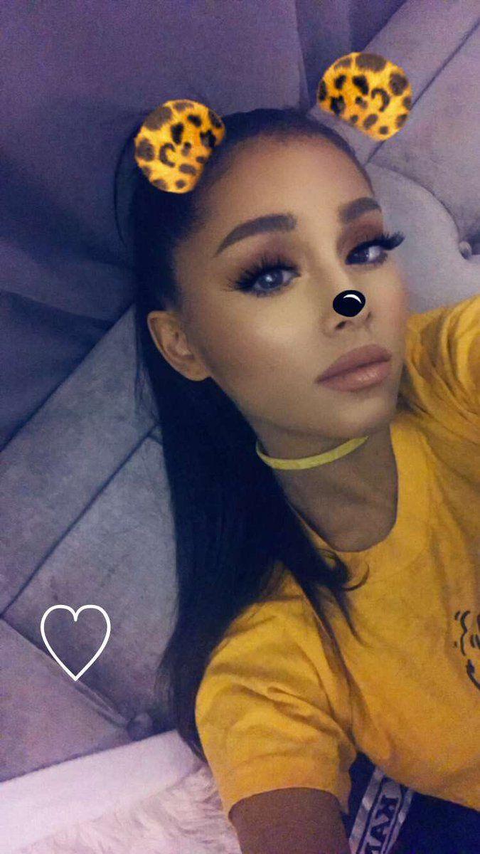 Ariana Grande // @sophanatic