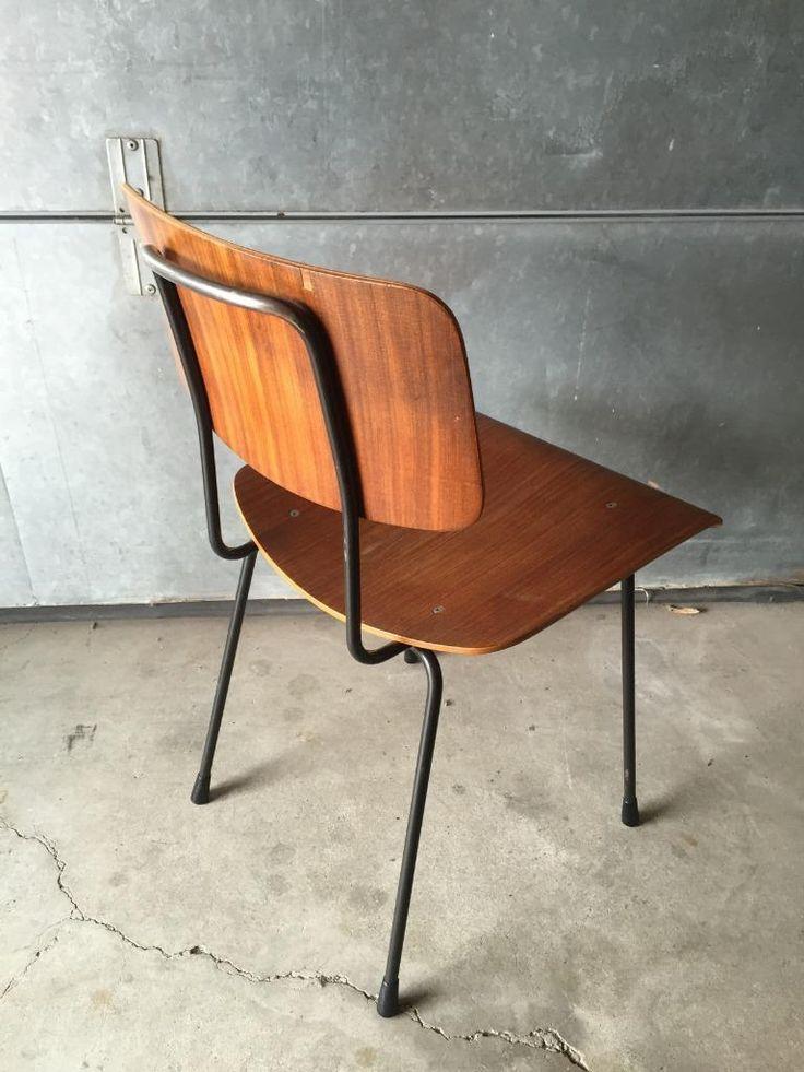 Jaren 50 stafstaal rondstaal stoel met teak plywood zitting en rug door a.r. Cordemeyer voor gispen kijk voor meer retrohome artikelen bij mijn andere advertenties. Retrohome verzamelt, koopt en