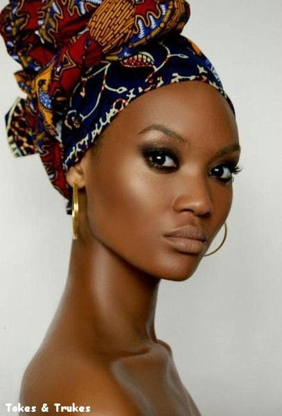 - Make para pele NEGRA -  Tokes & Trukes - Make Up