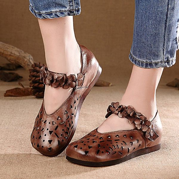 Socofy Original Breathable Hollow Floral Decoration Hook Loop Retro Flat Shoes