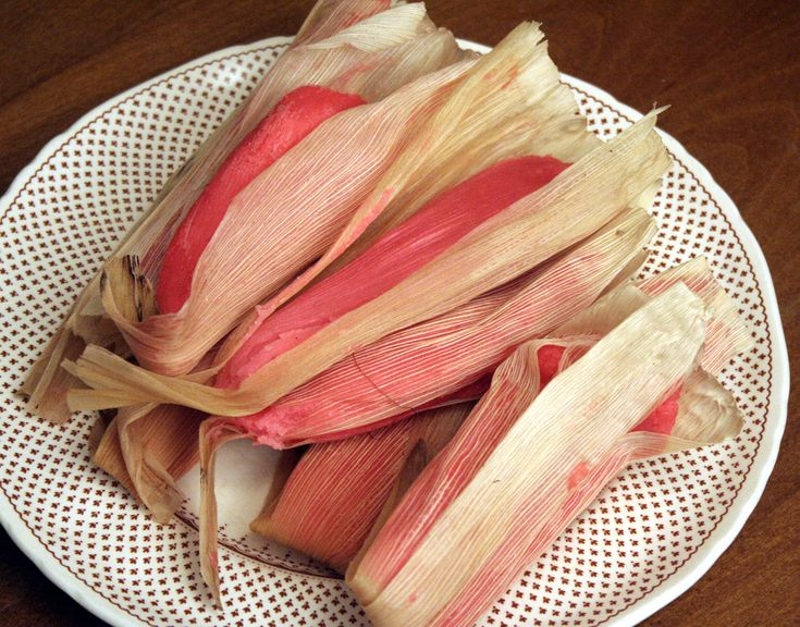 This is one dish that I know how to make it is called Tamales de dulce ;)