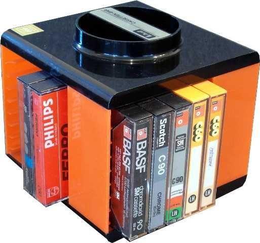 Cassette box, draaibaar en stapelbaar