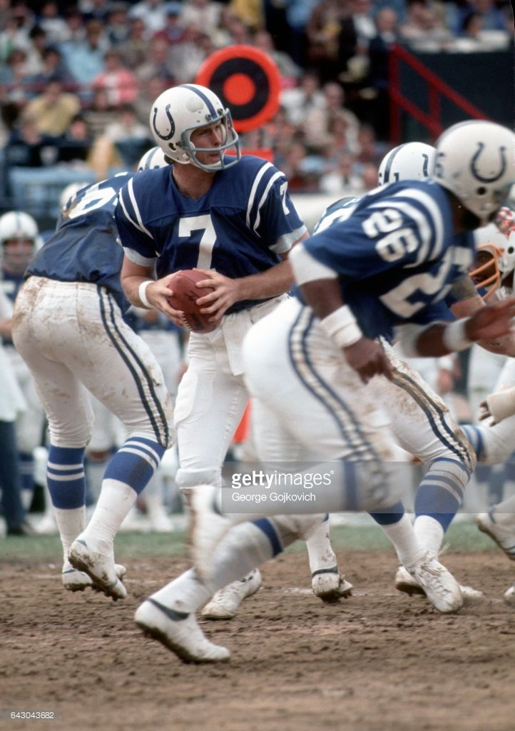 Quarterback Bert Jones #7 of the Baltimore Colts looks to pass during a game against the Tampa Bay Buccaneers at Memorial Stadium on October 3, 1976 in Baltimore, Maryland. The Colts defeated the Bucs 42-17.
