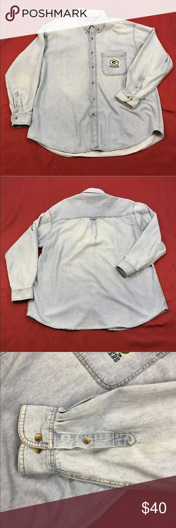 """Green Packers Denim Shirt 🏈 Men's Size: XL Gently used.  Measurements lying flat: Shoulder to Shoulder 23"""", Armpit to Armpit 28"""", Sleeve's Length 25"""", Length 33"""".  Please, review pictures. You will get the item shown. Smoke & pet free home. Game Day Shirts Casual Button Down Shirts"""