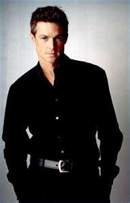 Eric Close another hot cowboy from The Magnificent Seven (TV)...I really miss that show. Thank God for DVD!