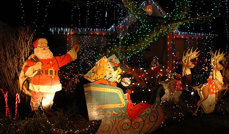 large_outdoor_christmas_decorations