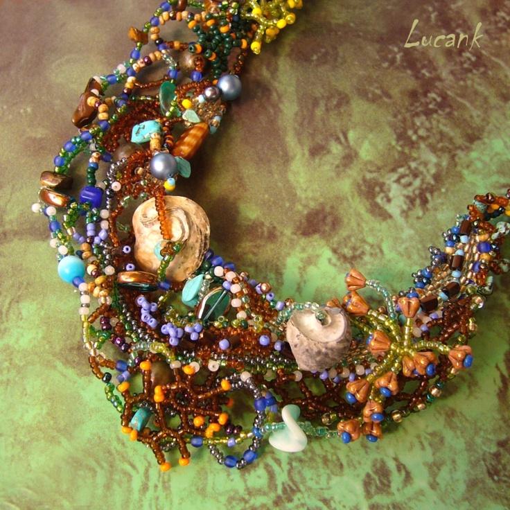 """Sharm El Shejk Luxusní šitý náhrdelník inspirovaný mořským dnem a jeho životem šitý stylem freeform. Náhrdelník byl vytvořen do soutěže pro Fler Beadweaving Team na téma """"MOŘE A OCEÁNY - PODMOŘSKÝ SVĚT"""" Tyto korálové útesy jsem spatřila na vlastní oči na dovolené v Egyptě. Do té i od té doby jsem nikde neviděla tolik barev a tvarů pohromadě. Náhrdelník je ..."""