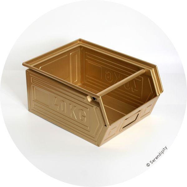 casier de stockage 40 Kg doré en vente exclusive chez Serendipity http://www.serendipity.fr/casier-de-stockage-40-Kg-dore/20-2510/p