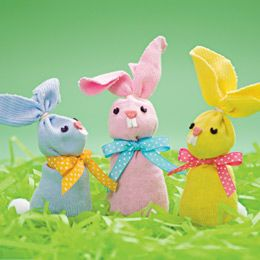 Easter bunnies made out of kids' socks from FamilyFun magazine.