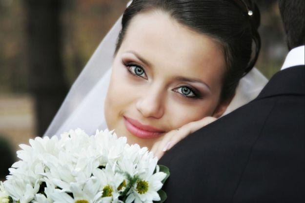 Великолепный свадебный макияж для голубых глаз ::: onelady.ru ::: #makeup #eyes #eyemakeup