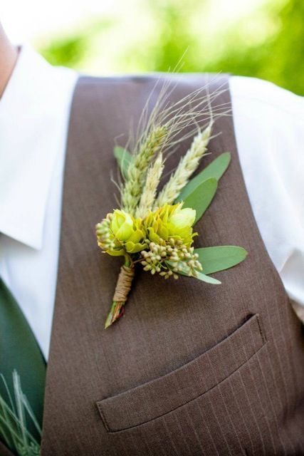 A hops and wheat boutonniere for a rustic outdoor wedding. | 8 Ways to Create a Craft Beer Wedding | Growler Magazine