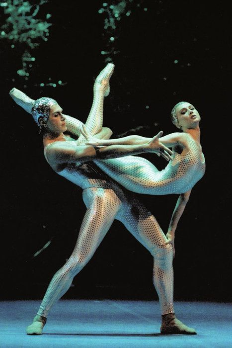 "<<Svetlana Zakharova and Nikolay Tsiskaridze in John Neumeier's ""Midsummer Night's Dream"">>"