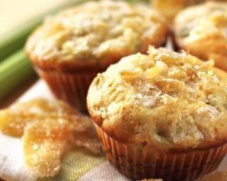 Muffins minceur pomme rhubarbe : http://www.fourchette-et-bikini.fr/recettes/recettes-minceur/muffins-minceur-pomme-rhubarbe.html