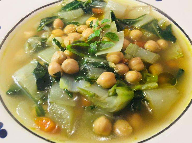 Zuppa di ceci e bietole
