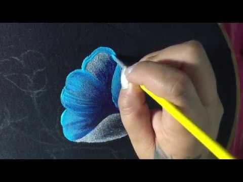 10 best images about videos de pintura en tela on pinterest acrylics artesanato and tes - Flores de telas hechas a mano ...