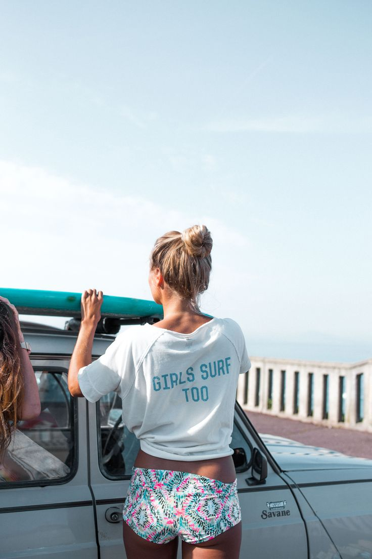 Summer   Girls surf too   White tee   Let's go to the beach   More on Fashionchick.nl
