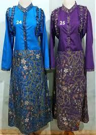 http://trendbajubusanamuslim.com/contoh-model-baju-gamis-batik-kombinasi-terbaru/