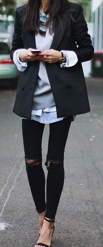 THE BLAZER.street chic. layers. ripped skinny jeans.