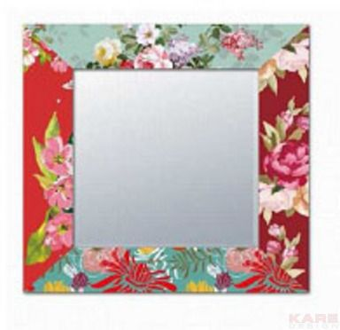 Miroir Patchwork Flower 70x70cm  Unité 79,90 € Design: A frame full of splendid flowers decorates this mirror and ensures both good vibrations and colourful moments. This mirror is just as unique as the person who looks into it. Dimensions: 0,7 x 0,7 x 0,018 m Poids: 4,6 kg Référence de l´article: 78518