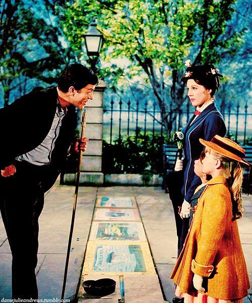 Dick Van Dyke, Julie Andrews, Matthew Garber, and Karen Dotrice // Mary Poppins…