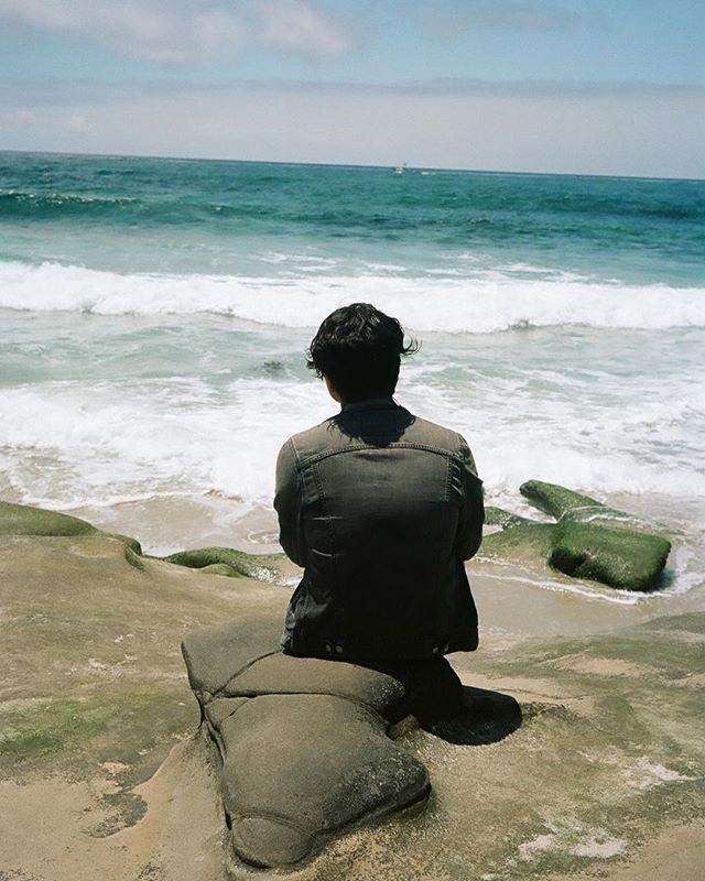 Tony by the ocean, shot with Portra 160 on Voigtlander Bessa R3 #35mm #35mmfilm #film #filmphotography #filmisnotdead #filmphoto #shootmorefilm #ishootfilm #istillshootfilm #kodak #kodakfilm #colorfilm #portra160 #portra #sandiego #ca #cali #california #beach #ocean #pacificocean #windansea #lajolla #voigtlander #lajollalocals #sandiegoconnection #sdlocals - posted by Shannon Partrick  https://www.instagram.com/shannonpartrick. See more post on La Jolla at http://LaJollaLocals.com