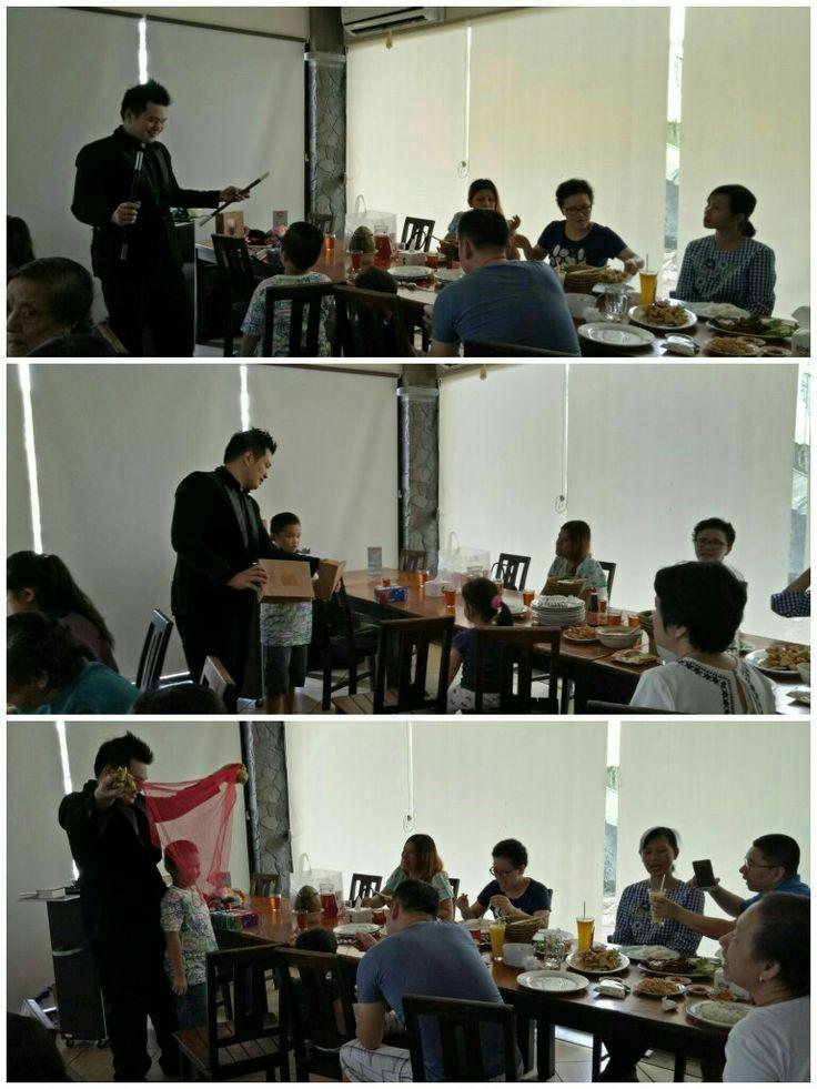 Pastikan Acara Anda Dihibur Dengan Sulap  www.gandhimagician.com