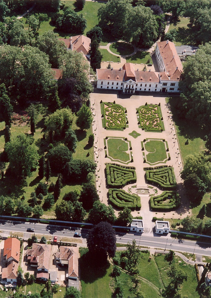 Széchenyi Palace in Nagycenk #Hungary #palace