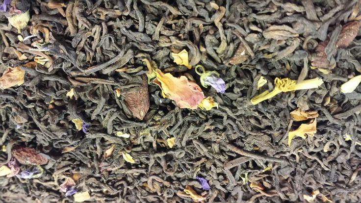Té rojo pu erh, bayas de #goji, rosas, malva, flor de #granada, y flor de #jazmin.