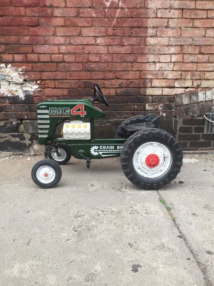 Tractor Chain Drive : Rare vintage amf big chain driven pedal tractor with