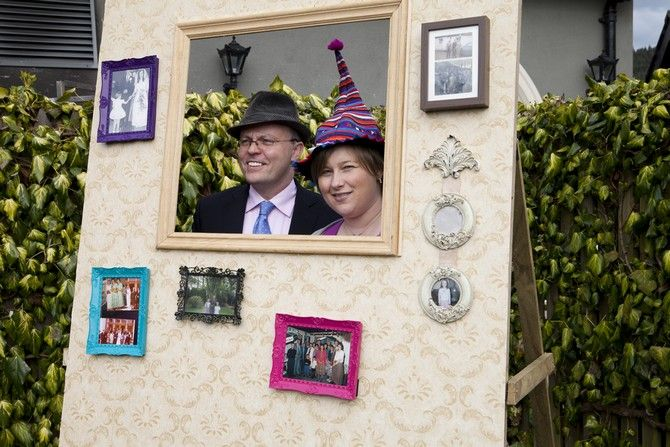 photo booth diy wedding blog. I like this. Maybe for my 30th:)