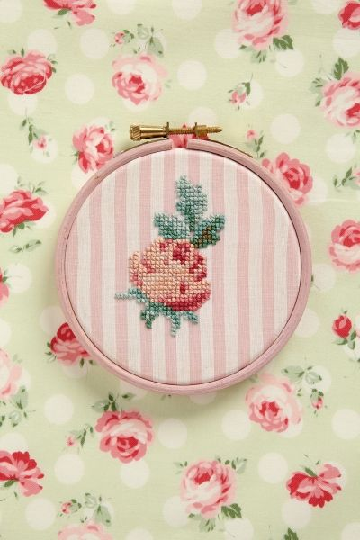 cross stich, hama beads | #embroidery #crossstitch #rose #pink