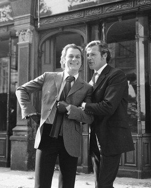 """TONY CURTIS AS DANNY WILDE, ROGER MOORE AS LORD BRETT SINCLAIR FROM THE PERSUADERS! #27 - BLACK & WHITE Movie Photo- LARGE Size Print - SIZE 20x16"""" (50x40cm)"""