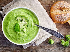Wegańska zupa krem brokułowo-groszkowa