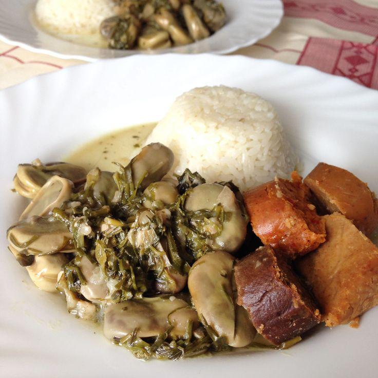 Favas de Coentrada com Enchidos   Broad Beans with Coriander and Vegan Sausages