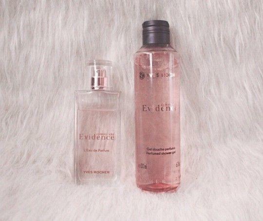 Korte review Yves Rocher - Comme Une Evidence parfum en douchegel staat online!