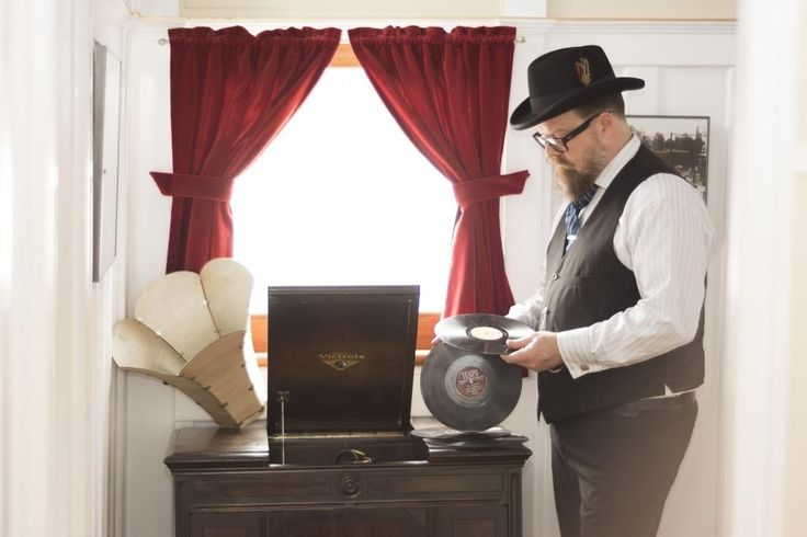 Tim Tweed (Dj Tencious T) with a custom made Gramaphone, ready for the Great Gatsby Party (2016).  Photos were taken by Callium Smith, a photographer based in Naramata BC.
