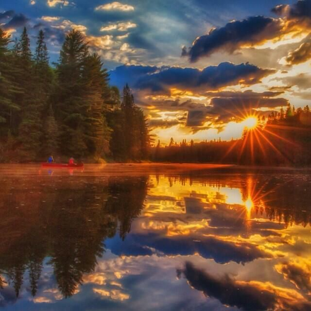 There's nothing like taking in an Algonquin Park sunrise... #DiscoverON #photography pic.twitter.com/K5mrXl79kT