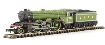 """ND129GD Class A3 steam locomotive 2744 """"Grand Parade"""" in LNER apple green. DCC fitted £122"""