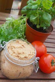 pyszna pasta do chlebka-zrobiłam ją pierwszy raz i jest naprawdę dobra,intensywny smak suszonych pomidorów i ziaren słonecznika ideal...