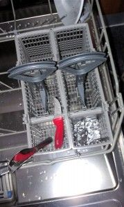 Fjern flyverust i opvaskemaskinen og flyverust på bestik nemt og hurtigt.