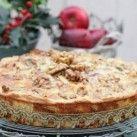 Grönkålspaj med cheddar och valnötter