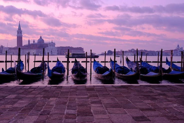 Discount UK Holidays 2018 Idyllic Venice Escape Including Flights & Breakfast From £89pp (from Weekender Breaks) for a two-night Venice break including flights and breakfast, from £109pp for three nights - save up to 56%