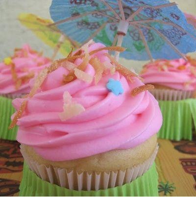 Pineapple Coconut Cupcakes    #coconut #cupcakes #Pineapple